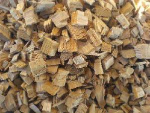 Древесная щепа из сосновых и еловых пород дерева.